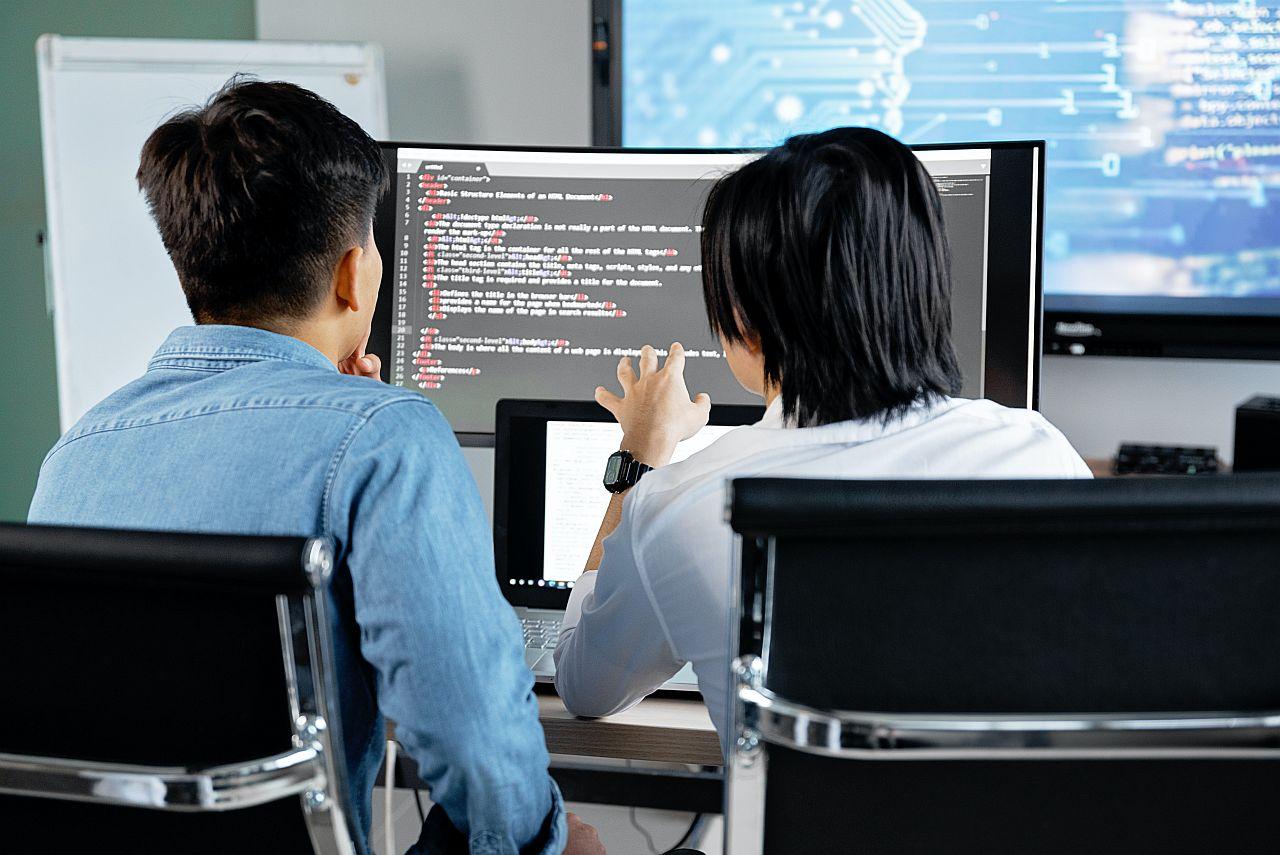 Outsourcing IT czy i kiedy jest potrzebna zabezpieczenie informatyczne?